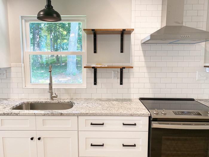 budget kitchen backsplash idea