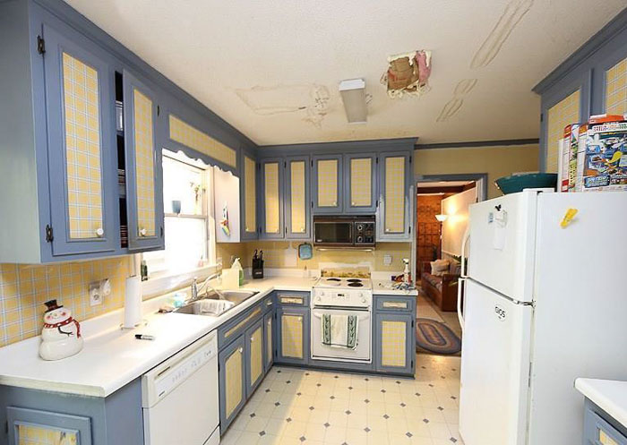 cary colonial kitchen before | the inspiring investment